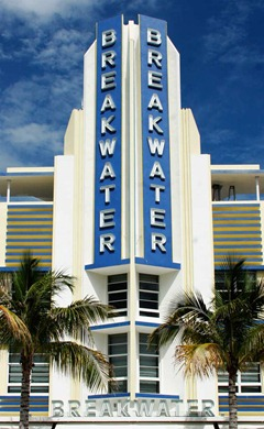 Art-Deco-Miami---Breakwater-Hotel