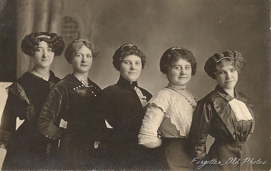 Postcard five women Artura Postcard DL Antiques