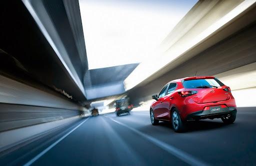 2015-Mazda2-Demio-11.jpg