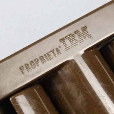 Brown MiniVip IBM PROPRIETA IBM imprint