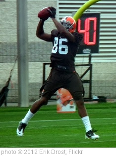 'Josh Gordon Making a Catch' photo (c) 2012, Erik Drost - license: http://creativecommons.org/licenses/by/2.0/