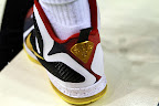 nike lebron 9 pe mvp gold plate 1 01 Unreleased Nike LeBron 9 MVP   Black Midsole Sample