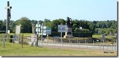 Finalmente uma placa para a Praia de Omaha E para o Cemitério Militar Americano, ufa ufa!