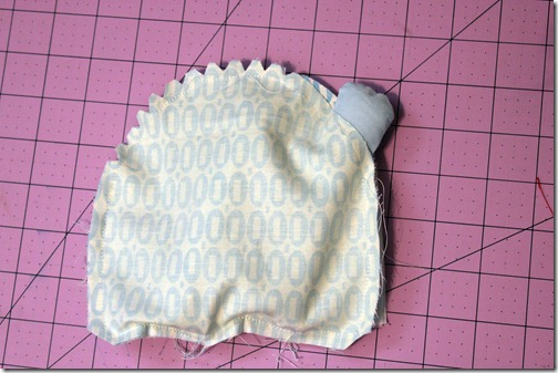 20 stitch body, leave gap to turn, knotch curves, clip corners_touch up