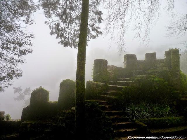 escaleras-castillo-dos-mouros.JPG