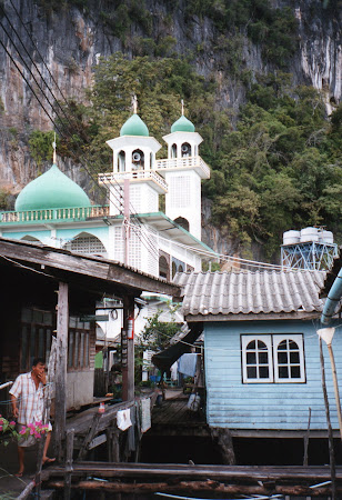 moschee Thailanda in drum spre Phang Nga