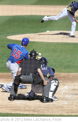 'Darwin Barney squares around to bunt.' photo (c) 2012, Mike LaChance - license: http://creativecommons.org/licenses/by/2.0/
