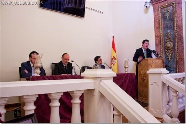 Mesa de presidencia del acto del pregón del costalero