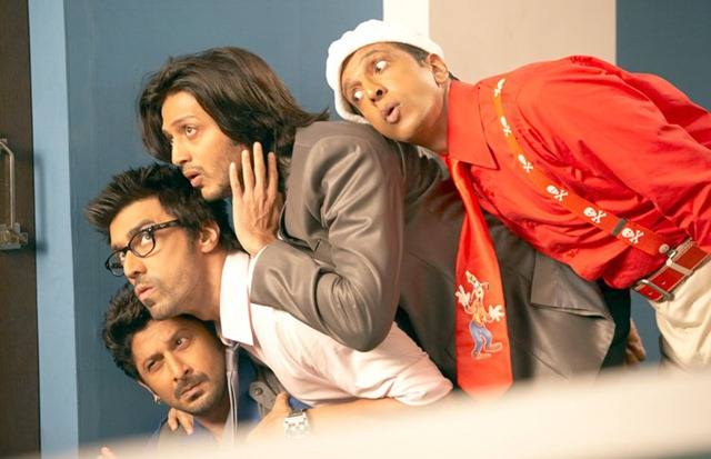 Double Dhamal Latest Comedy Scenes : Hit Wallpapers of Double Dhamal Movie 2011