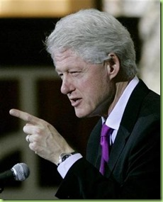 bill-clinton-points-finger-21