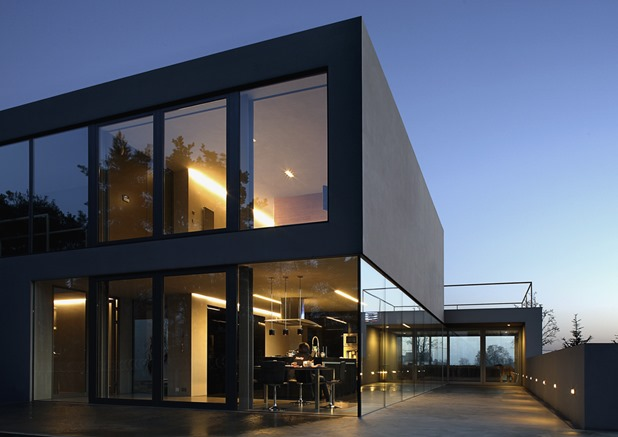 aatrial house by kwk promes 8