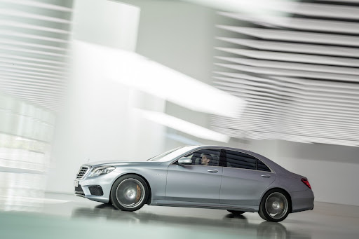2014-Mercedes-Benz-S63-AMG-22.jpg