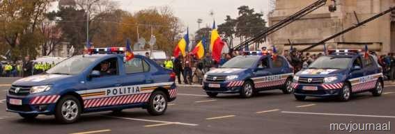 [Dacia%2520toont%2520nieuwe%2520modellen%2520aan%2520de%2520overheid%252006%255B6%255D.jpg]