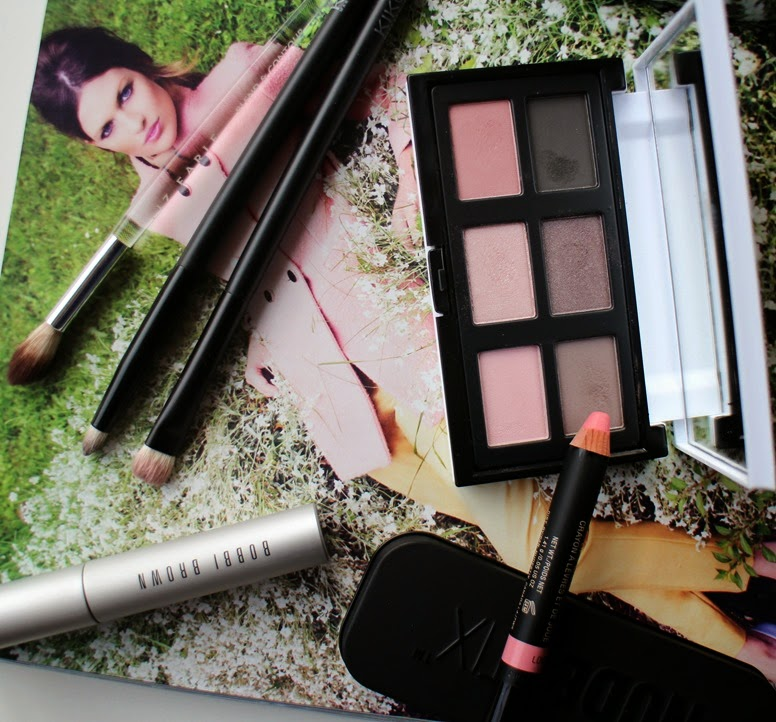 Diego-Dalla-Palma-La-Vie-en-Rose-eyeshadow-palette,Love-Nudestix-Lip Cheek,Bobbi-Brown-Smokey-Eye-Mascara