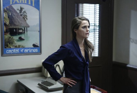 THE AMERICANS -- The Clock -- Episode 2 (Airs Wednesday, February 6, 10:00 pm e/p) -- Pictured: Keri Russell as Elizabeth Jennings -- CR: Craig Blankenhorn/FX