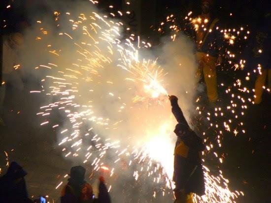 correfocs en las fiestas de Gràcia