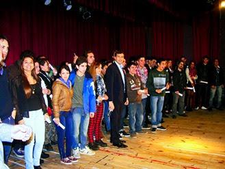 101 vecinos obtuvieron su título universitario con el Plan FinES