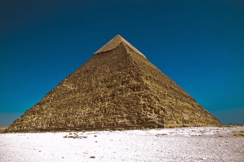 pyramids-giza-3