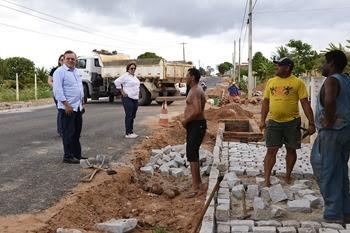 Governadora e Sec Kátia Pinto visitam obra de implantação e pavimentação da estrada que liga a BR 406 a Serrinha - Elisa Elsie (5)