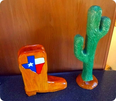 boot and catcus