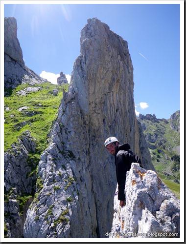 Arista Sanchez Sadia-Samper 300m 120m Rapel 6c¿ (V  A1 Oblig) (Peñe Robre, Andara) (Isra) 0469