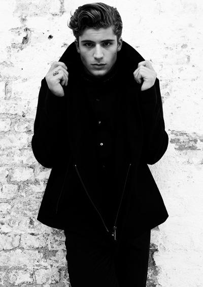 Thom Morrell @ Select by Darren Black, London, December 2011