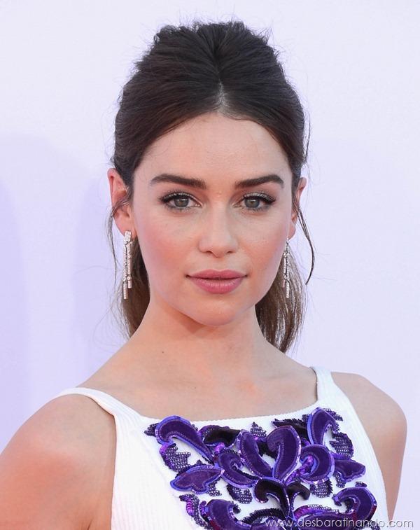 emilia-clarke- Daenerys-Targaryen-linda-sexy-game-of-trhones-guerra-dos-tronos-sexta-proibida-desbaratinando (55)