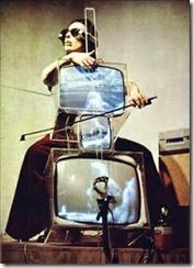 Nam June Paik. Concierto para TV, Cello y cintas de video, 1971