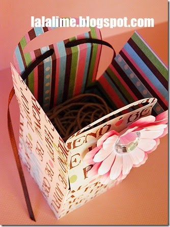 Gift-Box-with-Tags-prev-3-Barb-Derksen