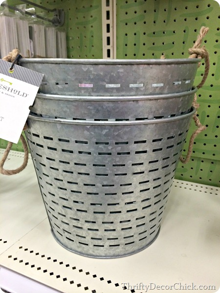 Target olive buckets
