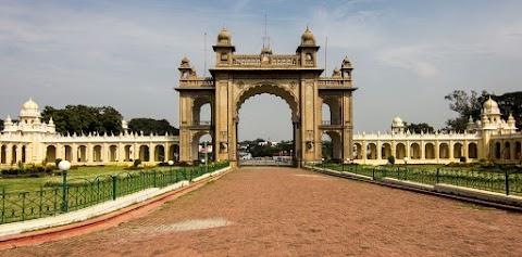 Mysorský palác, východná brána