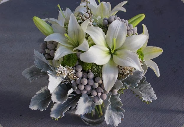 lily 383752_248594045205853_156574431074482_695359_546265734_n sophisticated floral designs