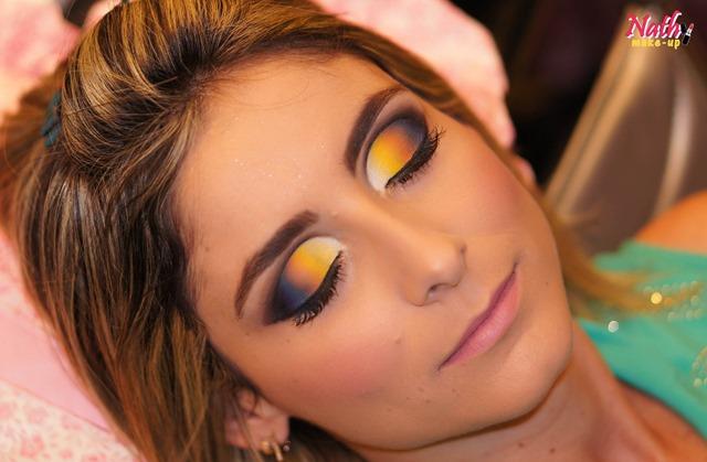 maquiagem cut-crease colorido