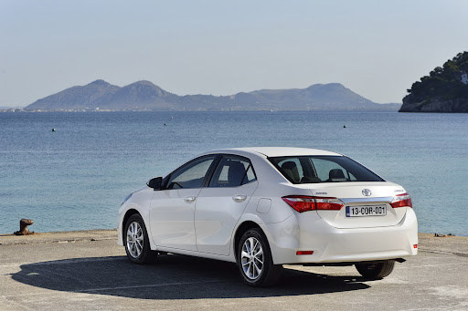 2014-Toyota-Corolla-46.jpg