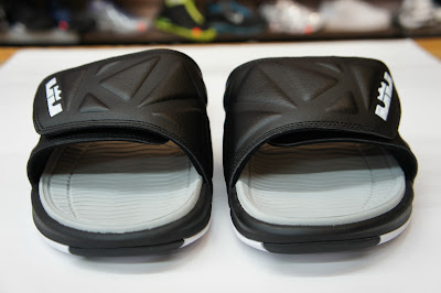 nike air lebron slide 2 black grey 1 05 Nike Air LeBron Slide 2.0   Black / Grey   Available at eBay