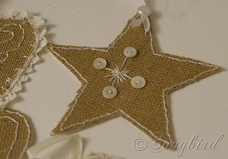 songbird burlap ornaments 5 - Burlap Christmas Decorations