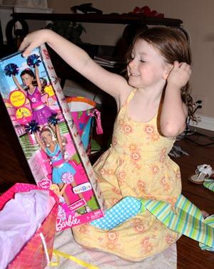 Ellaina opening her presents (4)