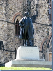 6615 Ottawa - Parliament Buildings Wellington St - statue of Sir Wilfred Laurier