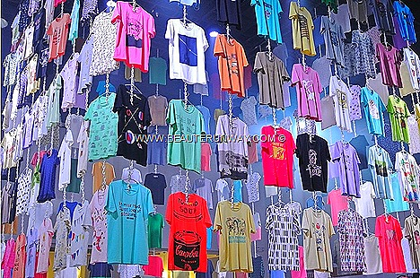 UNIQLO Spring Summer 2013 UT new designs Shop Singapore Sanrio Hello Kitty One Piece National Geographic Andy Warhol Cabbages Roses Celia Birtwell GreenGate Rhythmic Textile Corporate Collaboration Kamawanu Graphic prints tee shirts