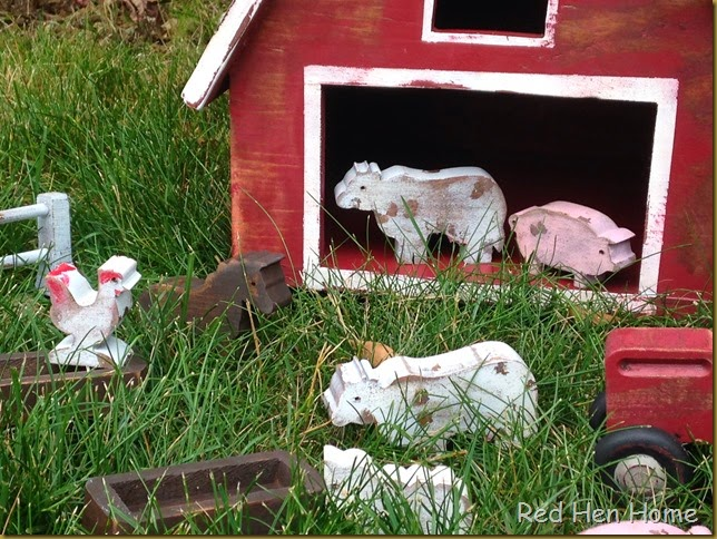 Red Hen Home toy barn 1
