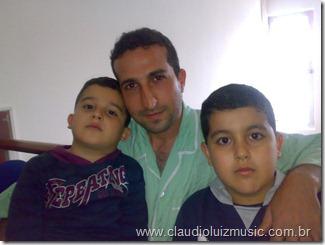 Youcef e seus filhos