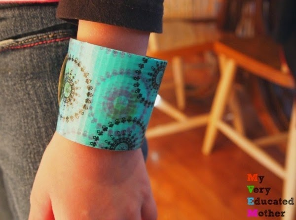 #CraftLightning - Coffee Sleeve Bracelet via @mvemother