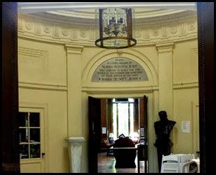 03f2 - Bar Harbor - Library a peak through the windows