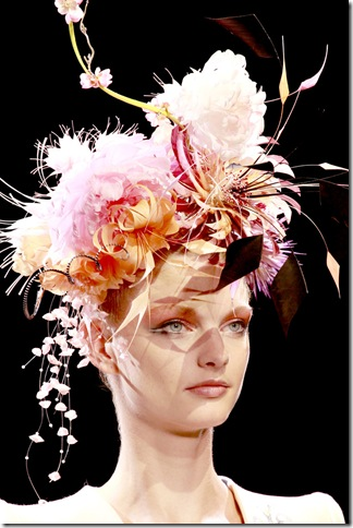 Armani Privé Fall 2011 X Philip Treacy (8)