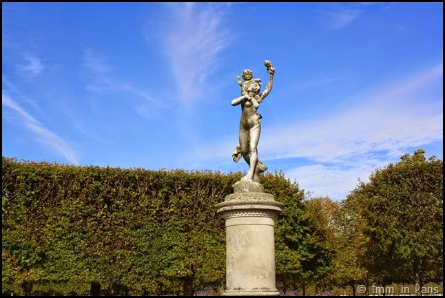 Statue in St Germain-en-Laye