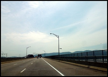 09 - Crossing Hudson River Bridge (5-1.5)