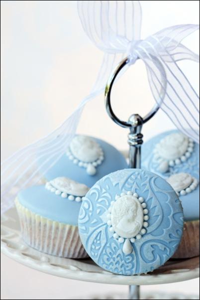 blue cameo cupcake