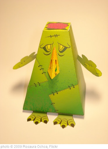 'Twitter Monster' photo (c) 2009, Rosaura Ochoa - license: http://creativecommons.org/licenses/by/2.0/