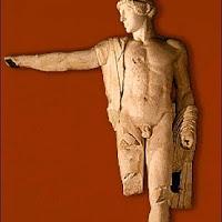 27.- Fidias. Apolo del Frontón de Olimpia