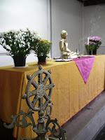 A Roda do Dhama: um caminho nobre de oito passos ensinado pelo Buddha.